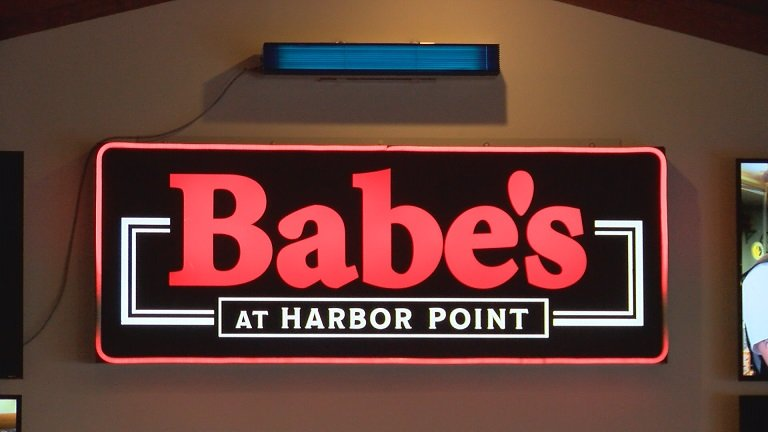 Babes at Harbor Point Installs Air Cleaners to Restaurant